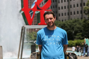 Josh Nims at Love Park in Philadelphia. (Stephanie Aaronson/Philly.com)