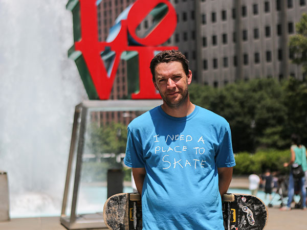 Josh Nims at Love Park in Philadelphia. (Stephanie Aaronson/Philly.com)